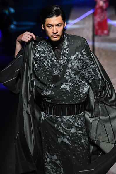 東京「JOTARO SAITO - Runway - Amazon Fashion Week TOKYO 2019 A/W」:写真・画像(6)[壁紙.com]