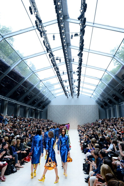 ロンドンファッションウィーク「LFW SS2013: Burberry Prorsum Catwalk」:写真・画像(17)[壁紙.com]