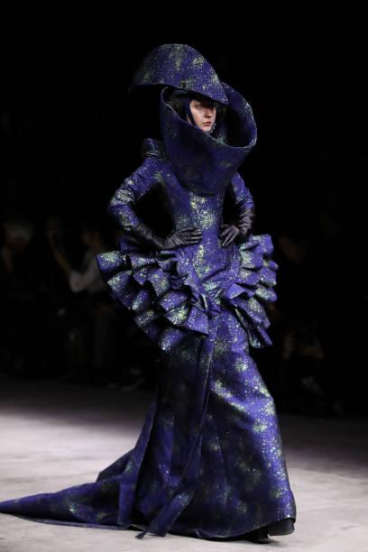 紫「Mercedes-Benz China Fashion Week S/S 2018 Collection - Day 10」:写真・画像(0)[壁紙.com]