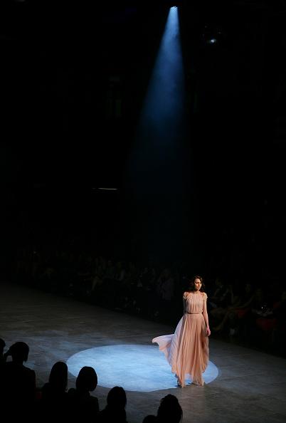 Breast「MBFFS 2011: Runway for Research - Fashion Targets Breast Cancer - Catwalk」:写真・画像(7)[壁紙.com]