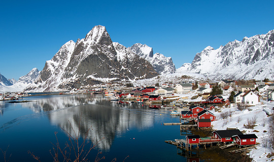 Steep「Fishing village Reine, Norway」:スマホ壁紙(12)