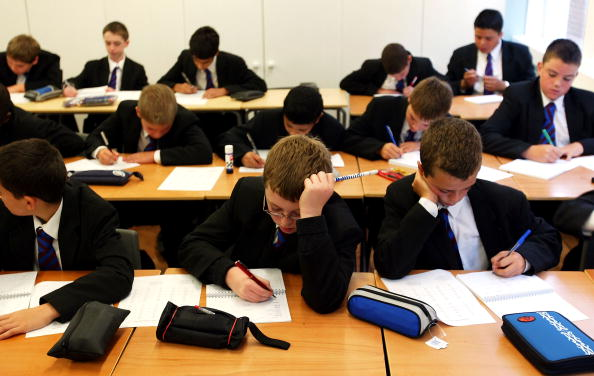 Teaching「Students Across The UK Return To School For Start Of The Autumn Term  」:写真・画像(4)[壁紙.com]
