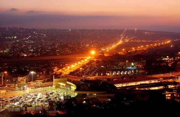 Tijuana「US/Mexico Border Security Tightens」:写真・画像(18)[壁紙.com]