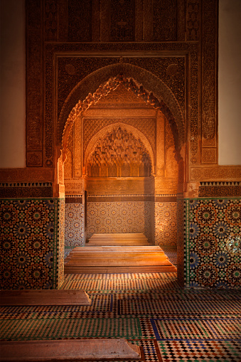 Morocco「Ornate arches in tiled room, Marrakech, Morocco」:スマホ壁紙(19)