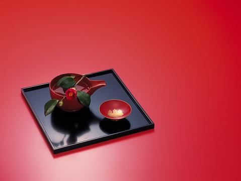 Sake「Saki cup on tray」:スマホ壁紙(6)