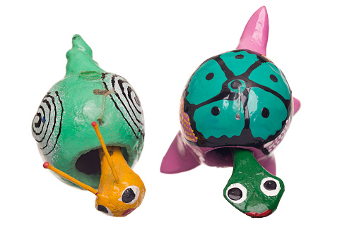 カタツムリ「Bobble head toy turtle and snail」:スマホ壁紙(14)