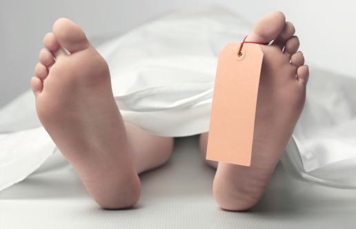 夕焼け 海「Teenage feet in morgue with copy space」:スマホ壁紙(7)