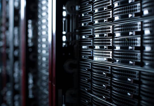Rackmounted Servers in a Datacenter:スマホ壁紙(壁紙.com)