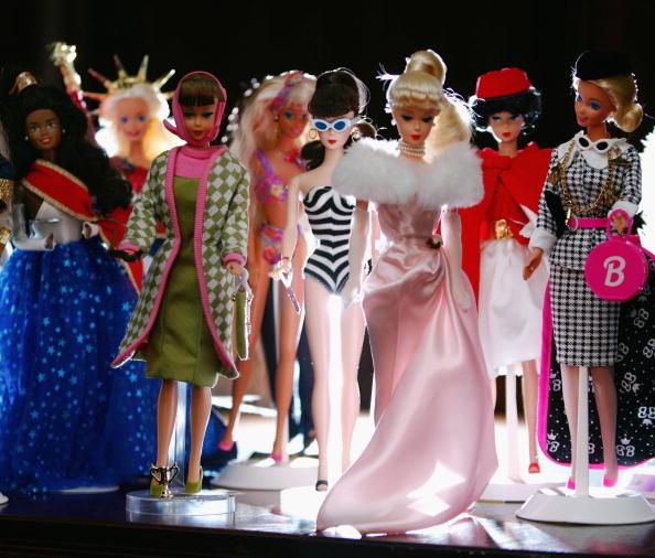 Variation「Barbie Approaches Her 50th Birthday」:写真・画像(8)[壁紙.com]