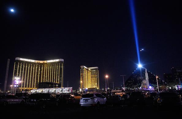 ラスベガス「Reported Shooting At Mandalay Bay In Las Vegas」:写真・画像(2)[壁紙.com]