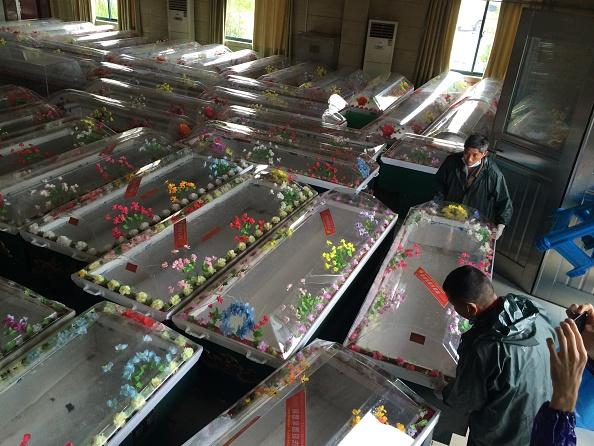 Capsizing「Ship Carrying 458 People Sinks In Yangtze River In Jingzhou」:写真・画像(15)[壁紙.com]