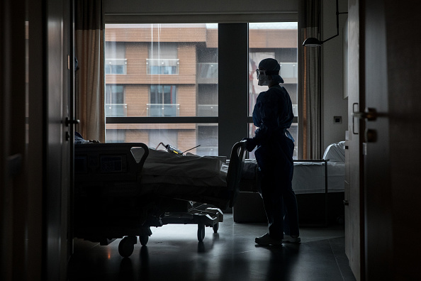 Hospital「An Istanbul Hospital ICU Adapts To Fight Coronavirus Outbreak」:写真・画像(16)[壁紙.com]