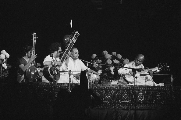 Sitar「Concert for Bangladesh」:写真・画像(4)[壁紙.com]