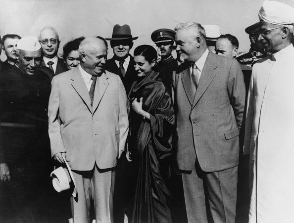 Indian Subcontinent Ethnicity「Gandhi Greets Soviets」:写真・画像(2)[壁紙.com]