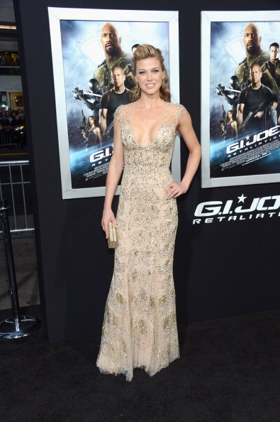 "Cap Sleeve「Premiere Of Paramount Pictures' ""G.I. Joe: Retaliation"" - Arrivals」:写真・画像(17)[壁紙.com]"