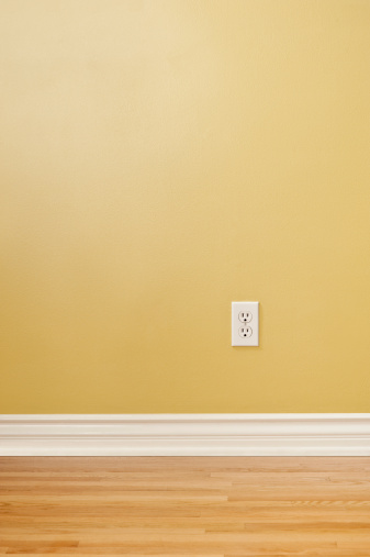 Electrical Outlet「Wall Plug In Empty Room」:スマホ壁紙(11)