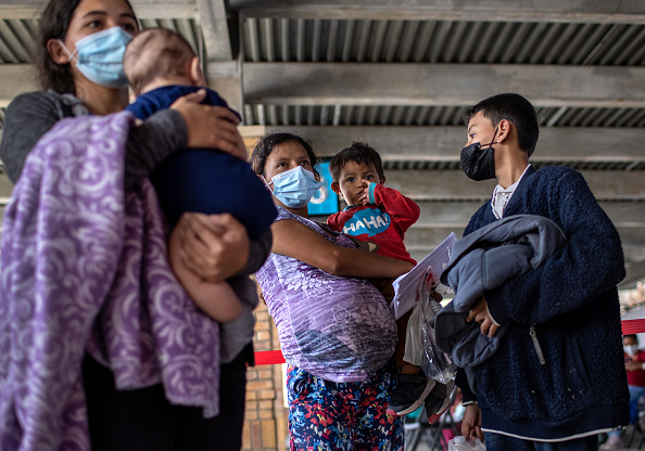 """Mexico「Asylum Seekers Enter US As Biden Ends """"Remain In Mexico"""" Policy」:写真・画像(15)[壁紙.com]"""