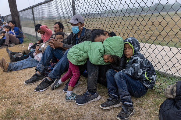 Human Role「Migrants Cross Into Texas From Mexico」:写真・画像(16)[壁紙.com]