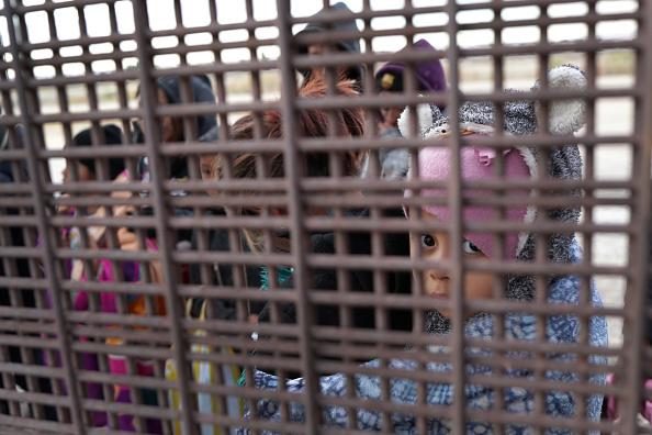 Mexico「U.S. Customs And Border Patrol Agents Patrol Border In El Paso, TX」:写真・画像(6)[壁紙.com]