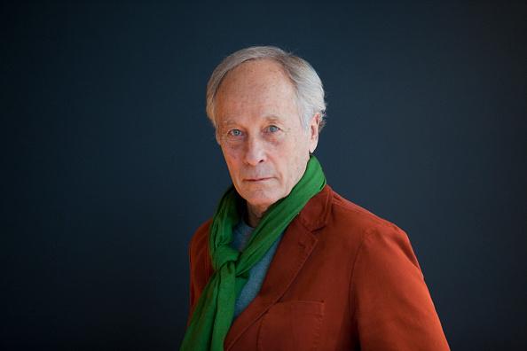 Author「Richard Ford」:写真・画像(14)[壁紙.com]