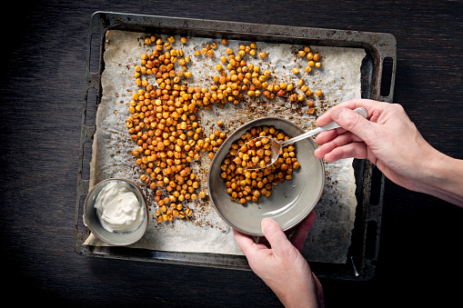 Sour Cream「Tray of roasted or baked seasoned chickpeas.」:スマホ壁紙(3)