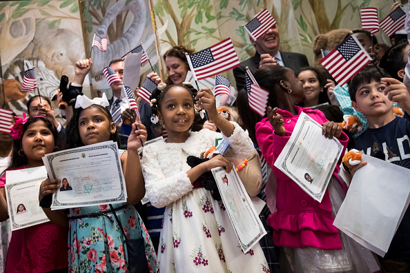 Ceremony「Children's Citizenship Ceremony Held At The Bronx Zoo In New York」:写真・画像(0)[壁紙.com]