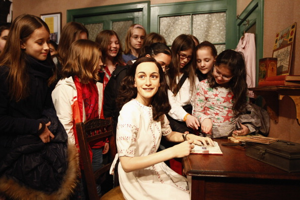 Hiding「Anne Frank Hideout Reconstruction Is Presented At Madame Tussauds Berlin」:写真・画像(6)[壁紙.com]