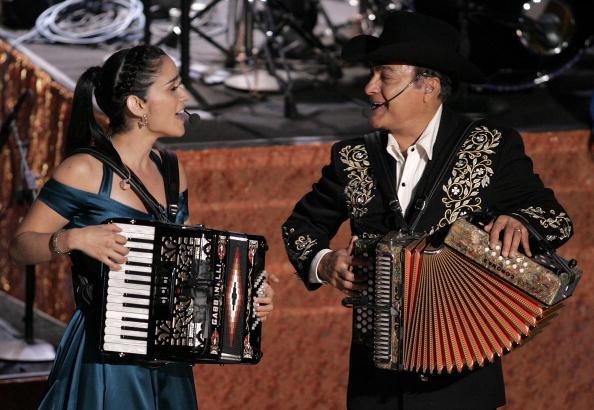 Accordion - Instrument「6th Annual Latin Grammy Awards - Show」:写真・画像(18)[壁紙.com]