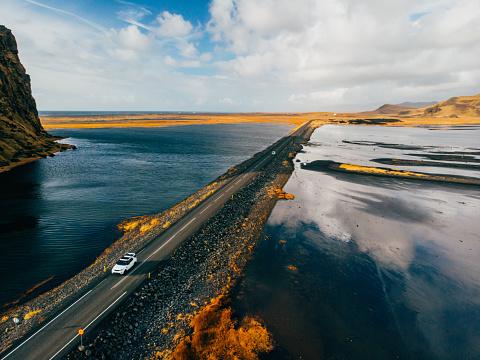 Empty Road「Road in Iceland by drone」:スマホ壁紙(12)
