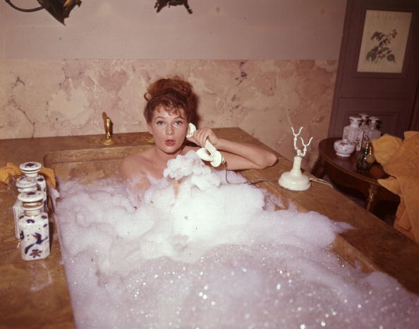 Surprise「Bubble Bath」:写真・画像(4)[壁紙.com]