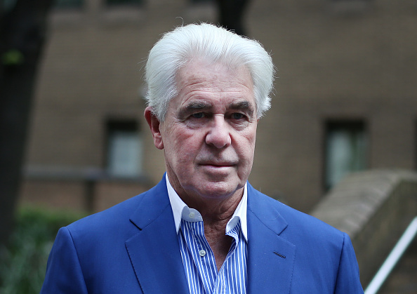 Max Clifford「Jury In The Trial Of Publicist Max Clifford Considers Their Verdicts」:写真・画像(0)[壁紙.com]