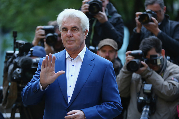 Max Clifford「Jury Consider Their Verdicts In The Trial Of Publicist Max Clifford」:写真・画像(4)[壁紙.com]