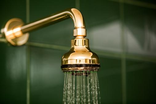 Tube「Bathroom Shower Head and Running Water」:スマホ壁紙(15)