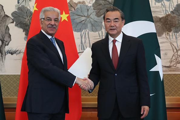 Pakistan「Pakistan Foreign Minister Khawaja Muhammad Asif Visits China」:写真・画像(2)[壁紙.com]