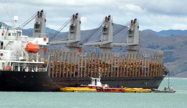 Plant Pod「The Gisborne pilot boat brings a second waste oil」:写真・画像(3)[壁紙.com]