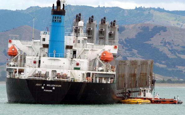Plant Pod「The Gisborne pilot boat brings a second waste oil」:写真・画像(15)[壁紙.com]
