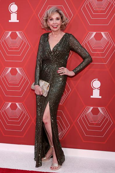 サイハイスリット「2021 Tony Awards - Arrivals」:写真・画像(1)[壁紙.com]