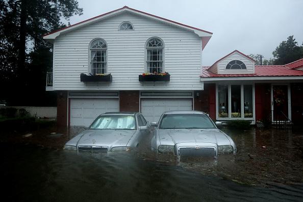 Chip Somodevilla「Hurricane Florence Slams Into Coast Of Carolinas」:写真・画像(15)[壁紙.com]