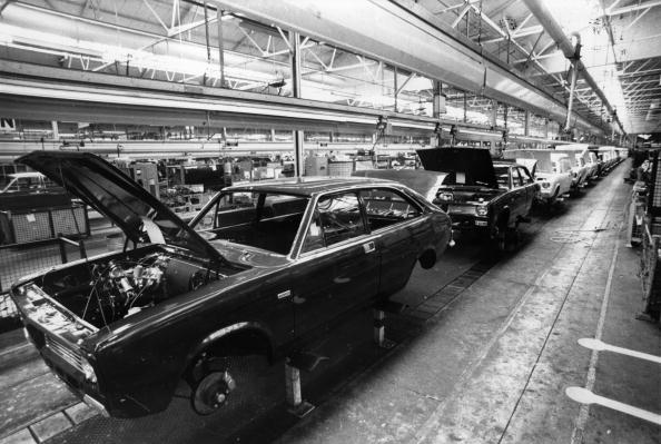 Production Line「Car Assembly Line」:写真・画像(13)[壁紙.com]