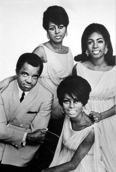 R&B「producer Berry Gordy with The Supremes : top to bottom : Cindy Birdsong, Mary Wilson and Diana Ross 1967-1970」:写真・画像(13)[壁紙.com]
