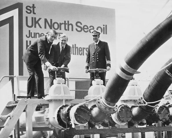 Pivot「Benn Releases North Sea Oil」:写真・画像(3)[壁紙.com]