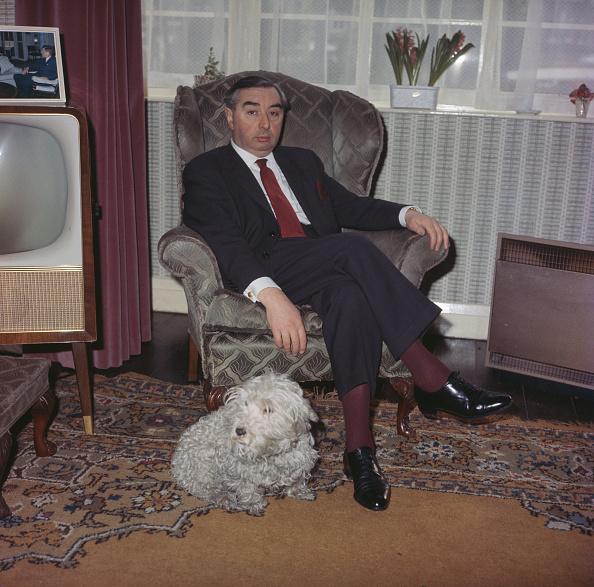 Armchair「George Brown」:写真・画像(1)[壁紙.com]