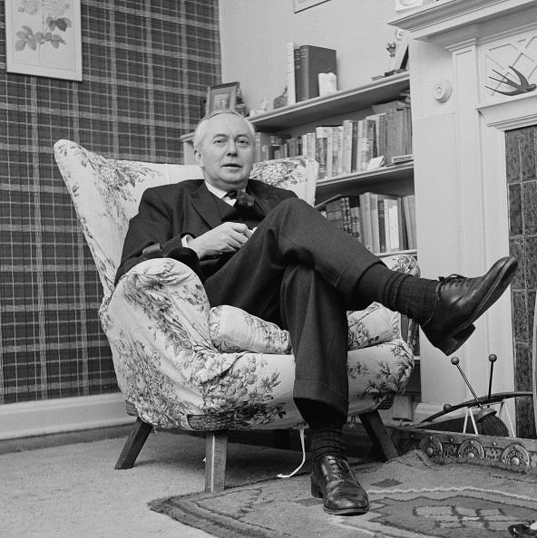 座る「Harold Wilson」:写真・画像(18)[壁紙.com]