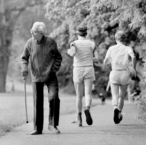 Tom Stoddart Archive「Foot Goes For A Walk」:写真・画像(16)[壁紙.com]