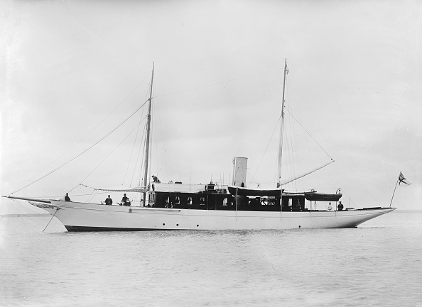 1900「The Steam Yacht Madeline At Anchor」:写真・画像(3)[壁紙.com]
