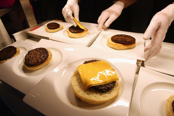 Hamburger「The World Absorbs News OF US Election」:写真・画像(7)[壁紙.com]