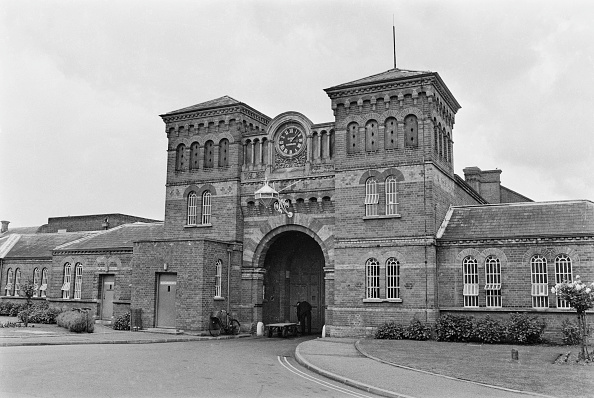 William Lovelace「Entrance To Broadmoor Hospital」:写真・画像(7)[壁紙.com]
