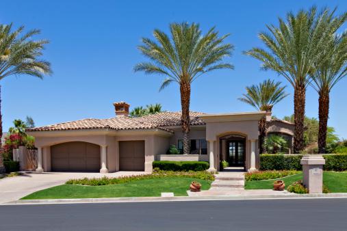 California「Entrance to a beautiful Californian home exterior」:スマホ壁紙(10)