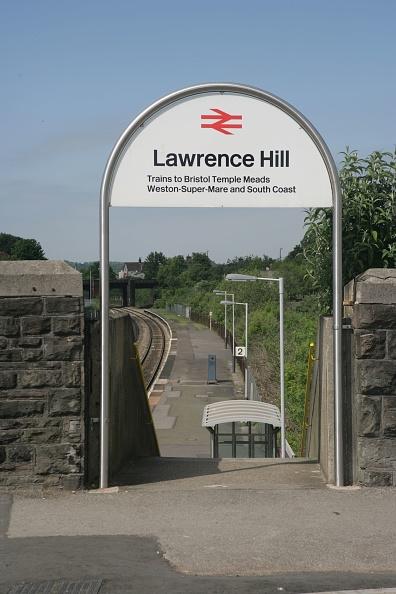 Finance and Economy「Entrance to Lawrence Hill station near Bristol. 2007」:写真・画像(12)[壁紙.com]