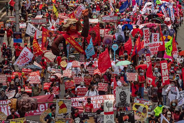 Topix「Protests Erupt As Duterte Makes State Of The Nation Address」:写真・画像(19)[壁紙.com]